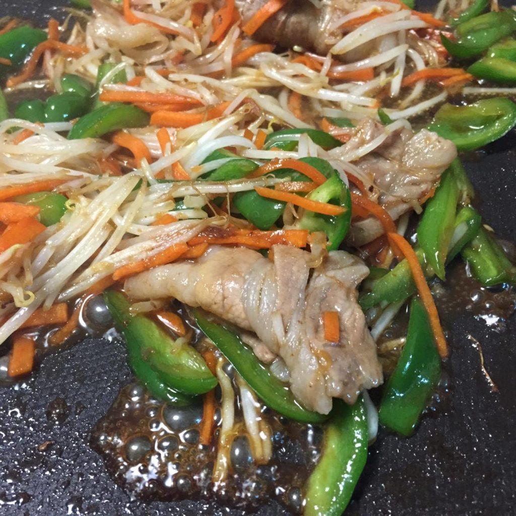 肉野菜炒め完成の写真