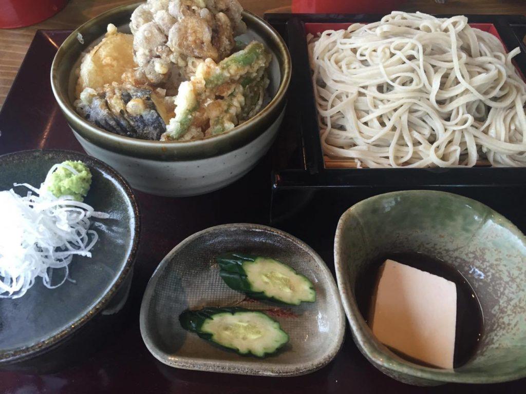 いちいの野菜天丼ランチの写真