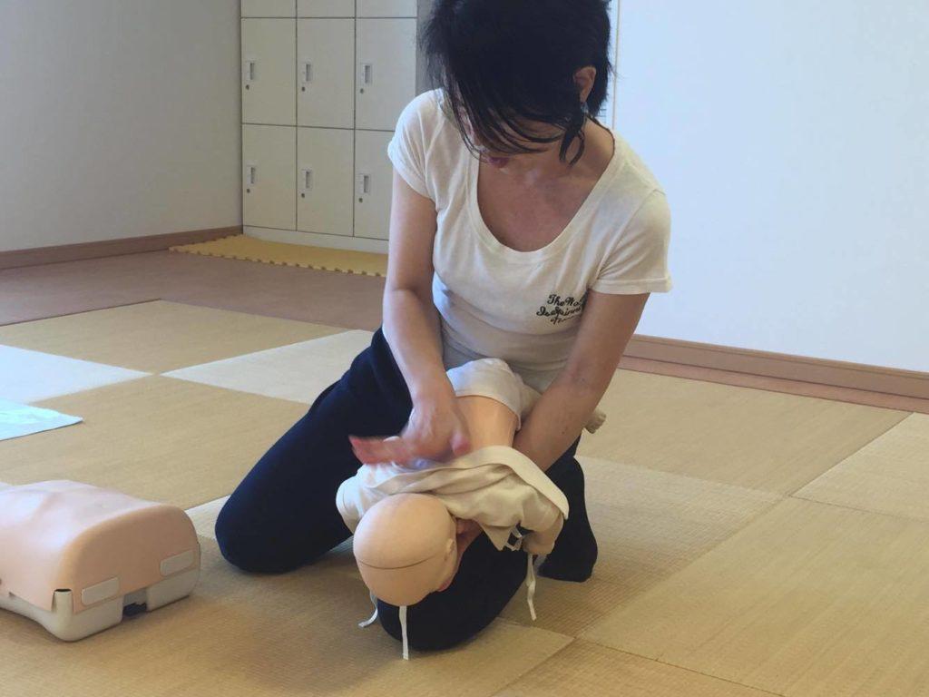 赤ちゃんの喉詰まりの対処法