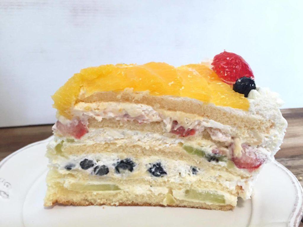 フレッシュフルーツケーキ