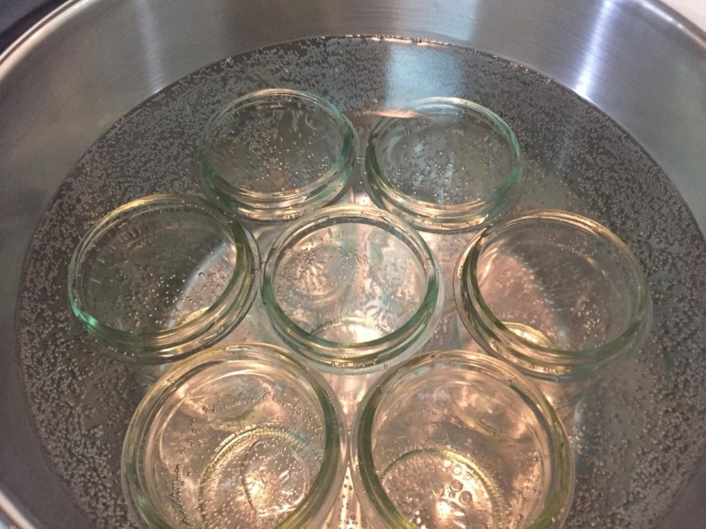 ガラス瓶を煮沸する