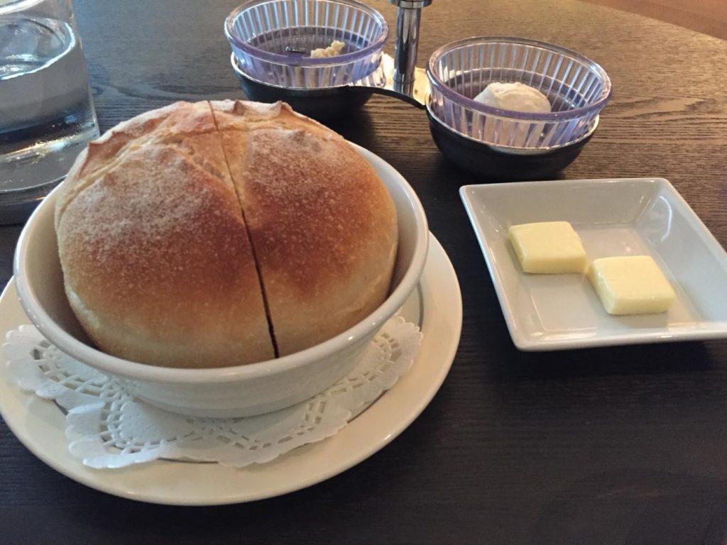 パンとローストビーフのソース