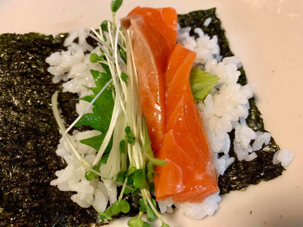 サーモンの手巻き寿司