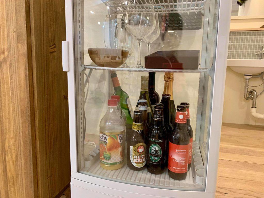 子ども用のジュースやアルコールも置いてある