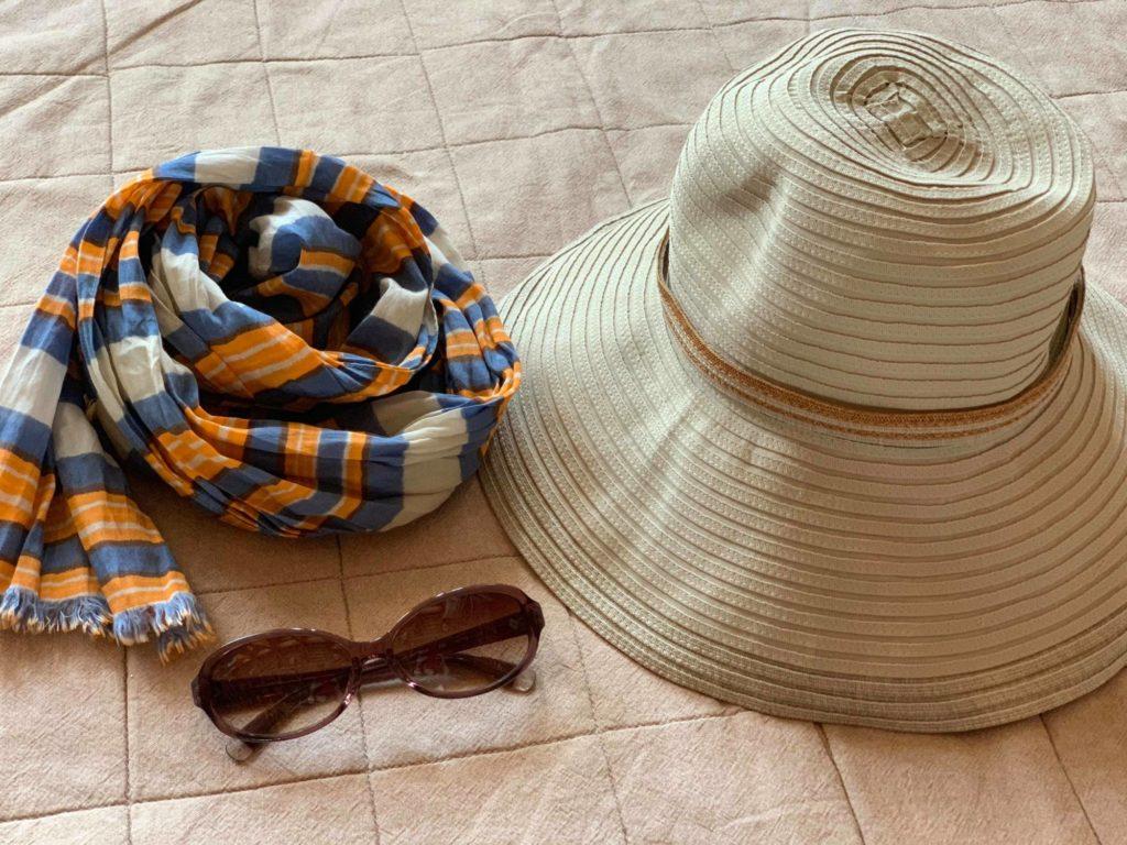 スカーフ、サングラス、帽子で運動会の日焼け対策