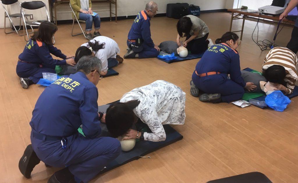 気道確保と人工呼吸も練習